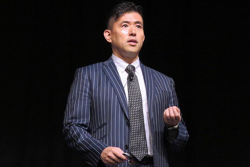 シンガポール国際会議-講師 シンガポール大学リー・クアンユー公共政策大学院 田村耕太郎教授